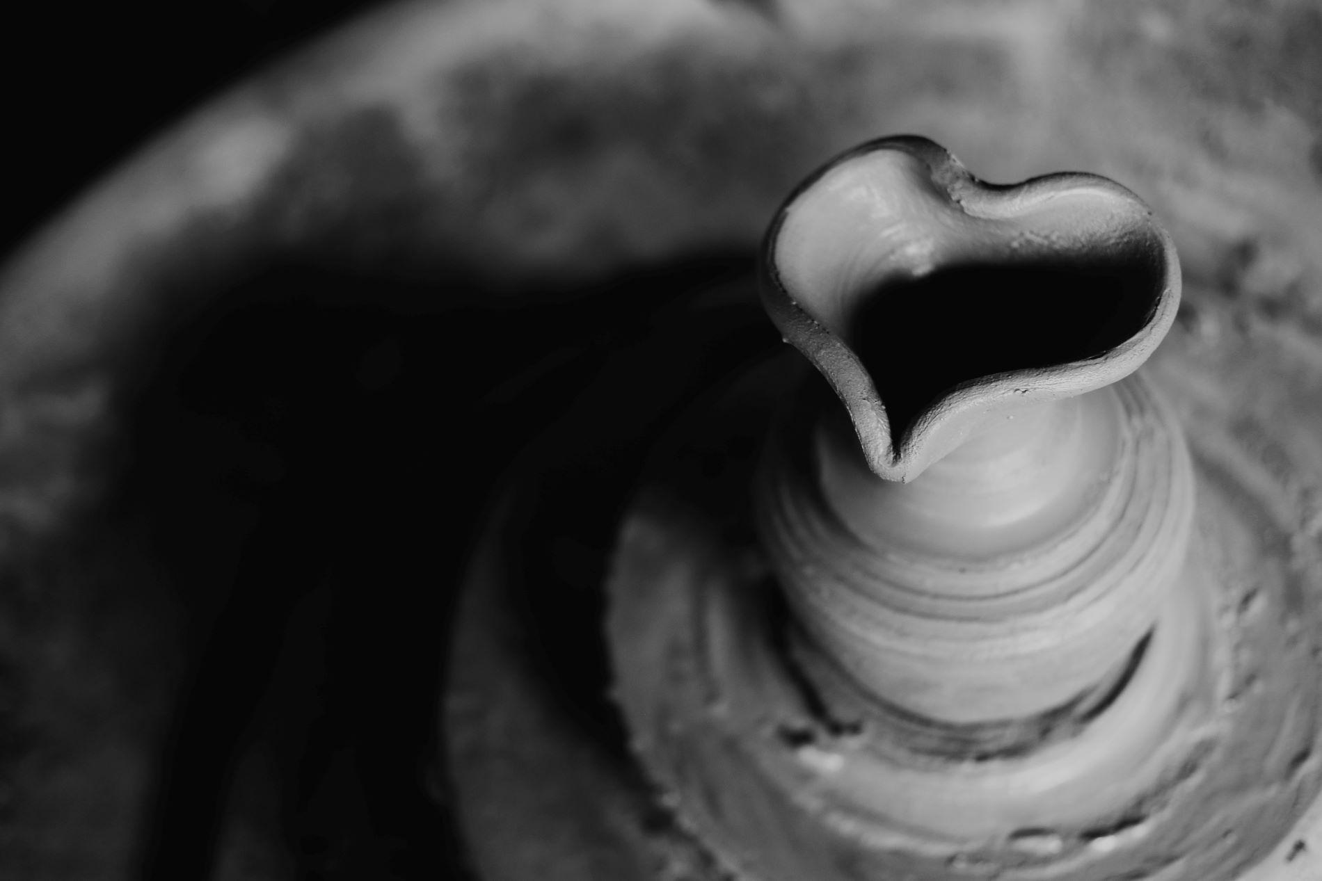 Quelle différence entre poterie et céramique?